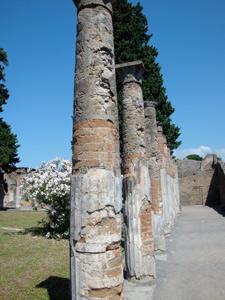 PompeiColumns