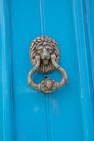 Irish-doorknocker