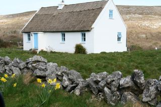 Thatched-roof-cottage