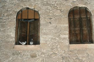 Inside-door-of-Church-of-Holy-Sepulchre