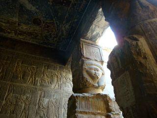 Dandara-Hathor-columns