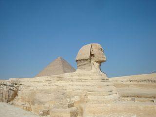 Sphyinx-&-pyramid