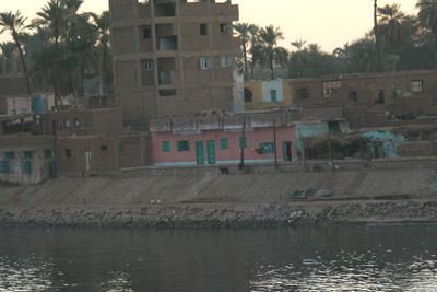 Pink-house-on-Nile