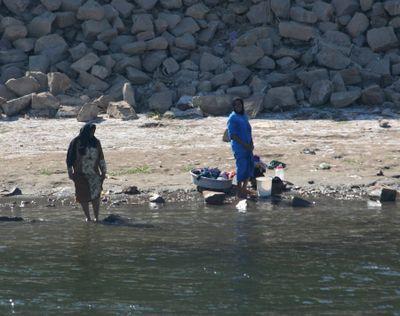 Washing-in-Nile5