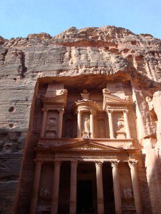 Petra-Treasury-4