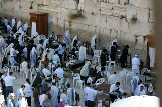 Men's-section-of-Western-Wall