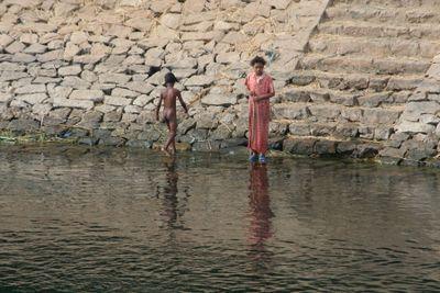 Naked-kid-on-Nile