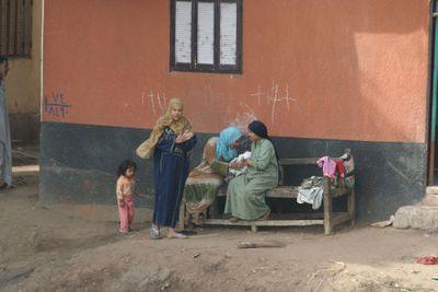 Women-&-children-along-Nile