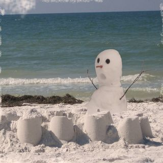 Snowman-with-sandcastles