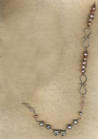 Sue's-necklace-with-Beth's-addition