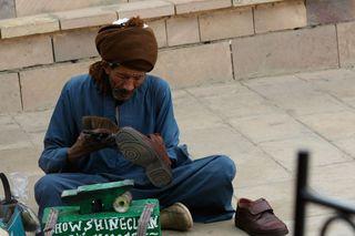 Egyptian-shoe-shine-man