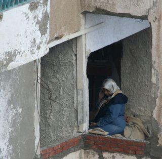 Alexandrian-woman-in-window