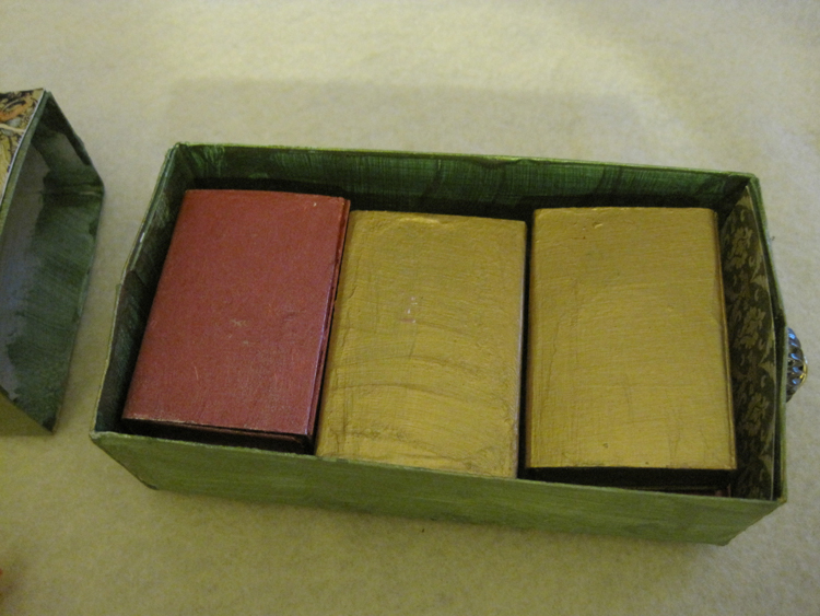 Inside-box-2a