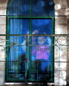 Jordanian-girl-in-window-2