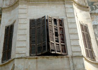 Alexandria-window-closed