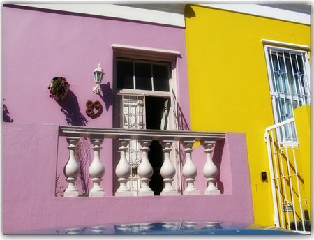 Pink-and-yellow-houses BoKaap