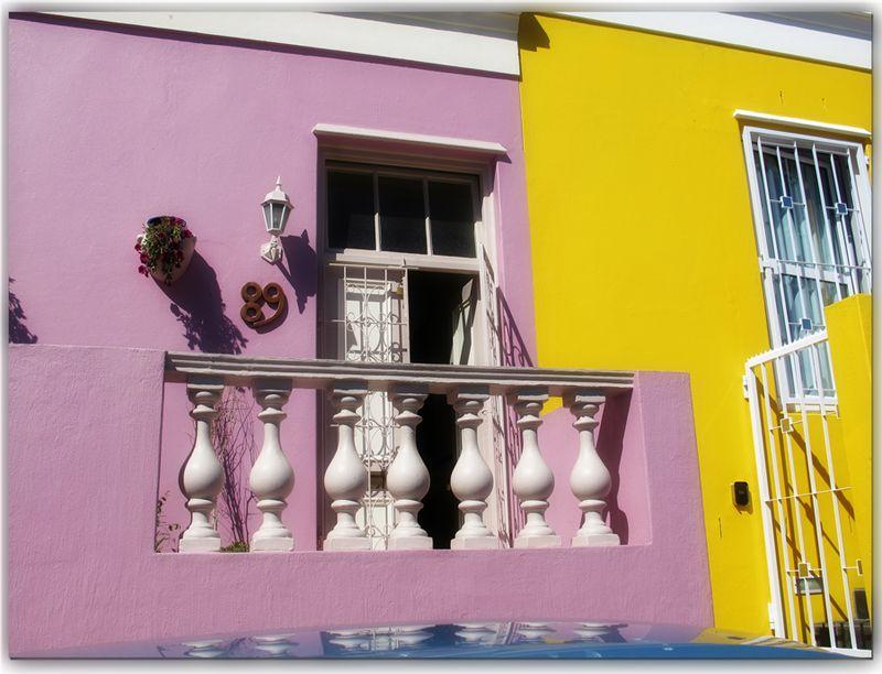 Pink-and-yellow-houses BoKaap