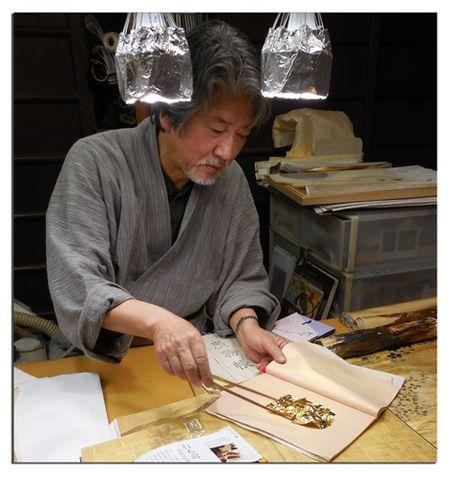 Gold-leaf-artist-in-Kyoto-9