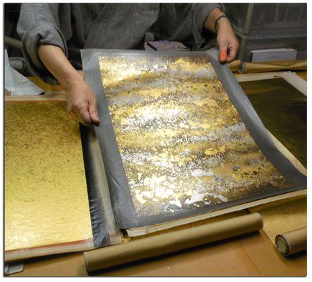 Gold-leaf-artist-in-Kyoto-4