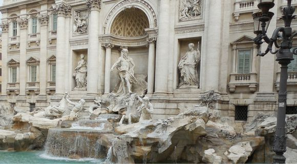 ROME IS A CITY OF FOUNTAINS