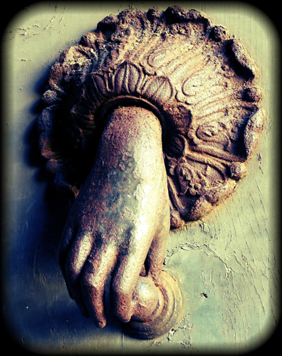 Orvieto-door-knocker