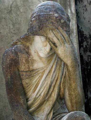 Orvieto-cemetery-statue-6a