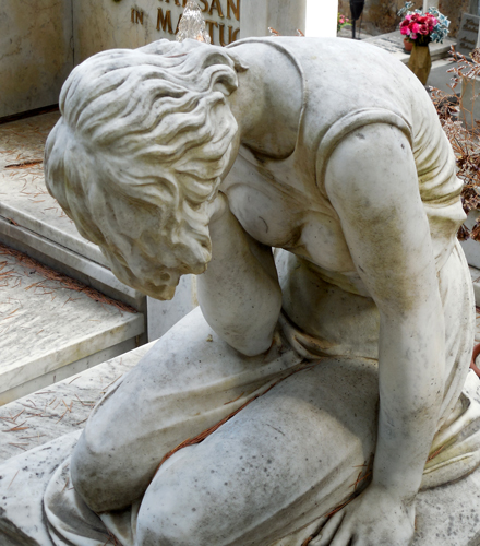 Orvieto-cemetery-statue-2