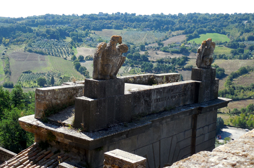 Eagle-Orvieto-gate