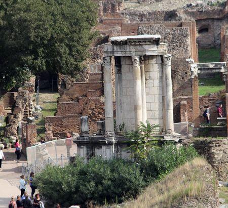 Rome-Vestal-temple