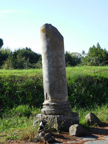 Ostia-Antica-broken-column